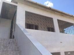 alugo ampla casa nos torrões primeiro andar