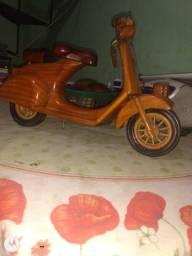 Moto de madeira Miniatura