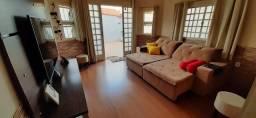 Casa a venda com area de lazer completa em São Lourenço-MG