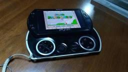 PSP go 16gb Wi-Fi Bluetooth R$ 300