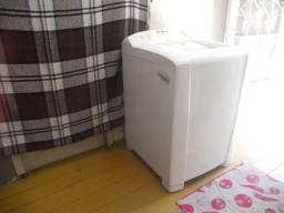 Maquina de lavar eletro lux 220v,8,quilos