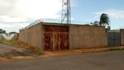 Terreno em Segismundo Pereira, 10x30, 300m²