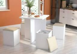Mesa c/ 4 banquetas novo na caixa