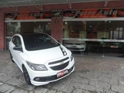 Gm - Chevrolet Onix Effect 1.4 8v. flex / Completíssimo / Ú.dona - reviasado / Petrópolis - 2016