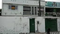 Alugo Casa 02 Pavimentos Servindo para Comércio em Afogados(Prox. Colégio Arca de Noé)