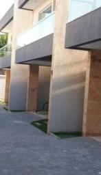 Casa em condomínio com 220m² 4/4 em Ipitanga