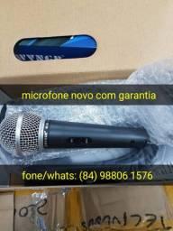 O melhor microfone com fio novo