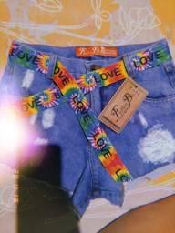 Short jeans e maiô tricolor