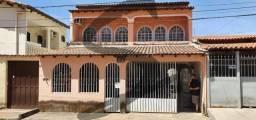 EXCELENTE SOBRADO 180M², 5 QUARTOS ( 3 SUITES) , QS 14 RIACHO FUNDO 1
