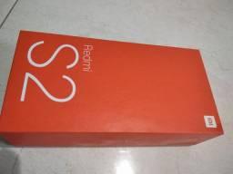 Caixa do Redmi S2 vazia.