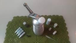 Vendo sifão profissional garrafa de inox - 500 ml + 30 cápsulas de gás