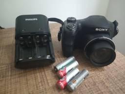 Câmera Sony R$90 com carregador e pilhas
