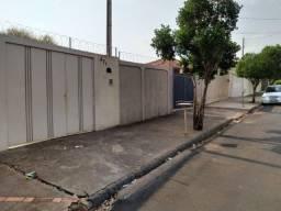 Edícula/Casa com 1 dorm, Jardim Nova Aparecida, Jaboticabal - R$ 195 mil, Cod: 17