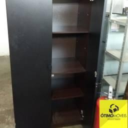 Armário de escritório de madeira R$:600,00