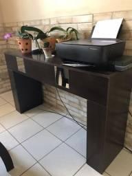 Mesa com 6 cadeiras e aparador (usado)
