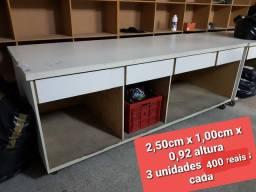 Mesa de confeção