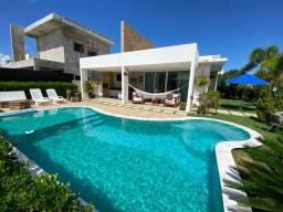 Casa com piscina e 3 suítes condomínio GranVille