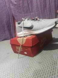 tênis NIKE athletic shoes