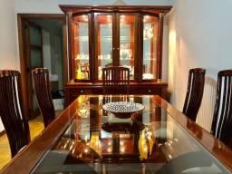 Conjunto de Jantar Mesa, Cristaleira e oito Cadeiras