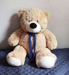 Lindo urso fofinho com 65 cm de altura