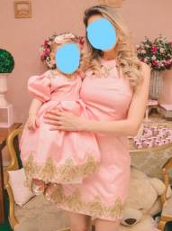 Título do anúncio: Vestido tal mãe tal filha 1 aninho