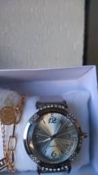 Lindos relógio na caixinha