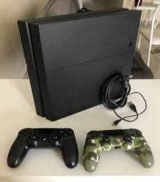 PS4 - 2 controles *MUITO CONSERVADO*