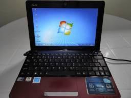 Computador Netbook Asus em funcionamento