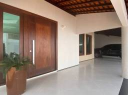 Casa com 03 suítes e piscina privativa/Varanda gourmet/10 vagas (TR82032) MKT