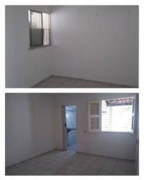 Título do anúncio: Alugo casa 2 quartos, garagem, quintal araturi