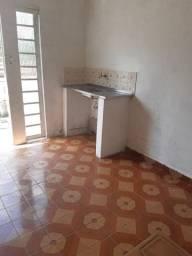 Alugo quarto em Jaçana -