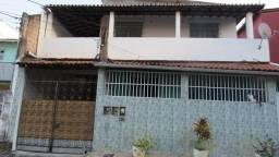 Título do anúncio: Rua Rio da Ilha, nº 42, Casa 1º andar, Itapuã. Confira!!!