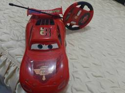 Título do anúncio: Carrinho McQueen com controle remoto