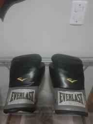 Luva box Everlast em ótimo estado