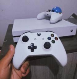 Xbox One S 500GB 2 Controle