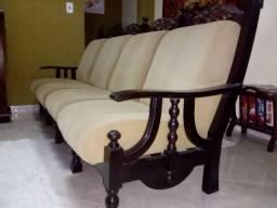 Lindo sofá estilo colonial