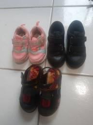 Sapatos e percata apenas 20 reais cada