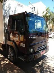 Vendo caminhão Ford cargo 816 - 2016