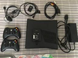 Xbox 360 Destravado Lt 3.0 + 2 Controles + 50 Jogos