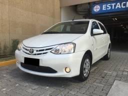 Toyota Etios Hatch Automatico - 2017