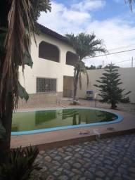 Casa ampla c/piscina /Porcelanato/projetados/prox. ao Posto gasolina itapiraco(Aluguel)
