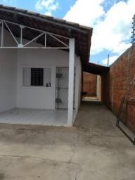 Alugo casa no Eduardo Costa 3 quartos