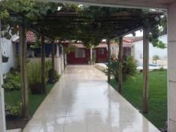 Casa térrea, 3 quartos, 2 salas, piscina, 4 vagas