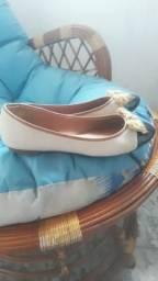 Três pares de sandálias por apenas 50,00