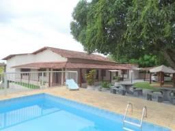 Casa com 4 Suítes com 2 Varandões + 1 Edícula com 2 Quartos, amplo jardim e pomar, piscina
