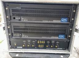 Amplificadores QSC. processador eaw