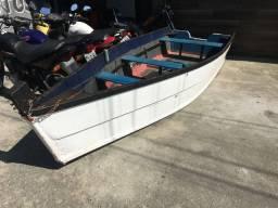 Barco de madeira 4 metros