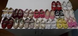 Lindo combo com 16 sapatinhos de bebê menina