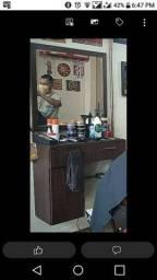 Bancada e espelho de Barbearia