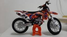 MOTO MINIATURA REPLICA ORIGINAL IMPORTADA #BURAGO  KTM 450 SX-F